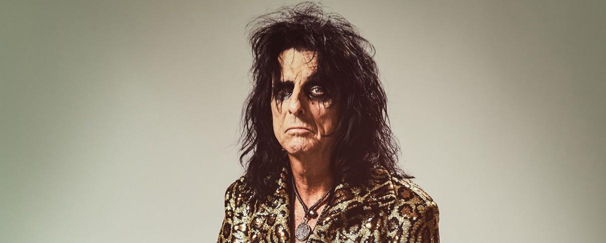 Alice Cooper: «Θα ήθελα να τραγουδήσω στους Foo Fighters»