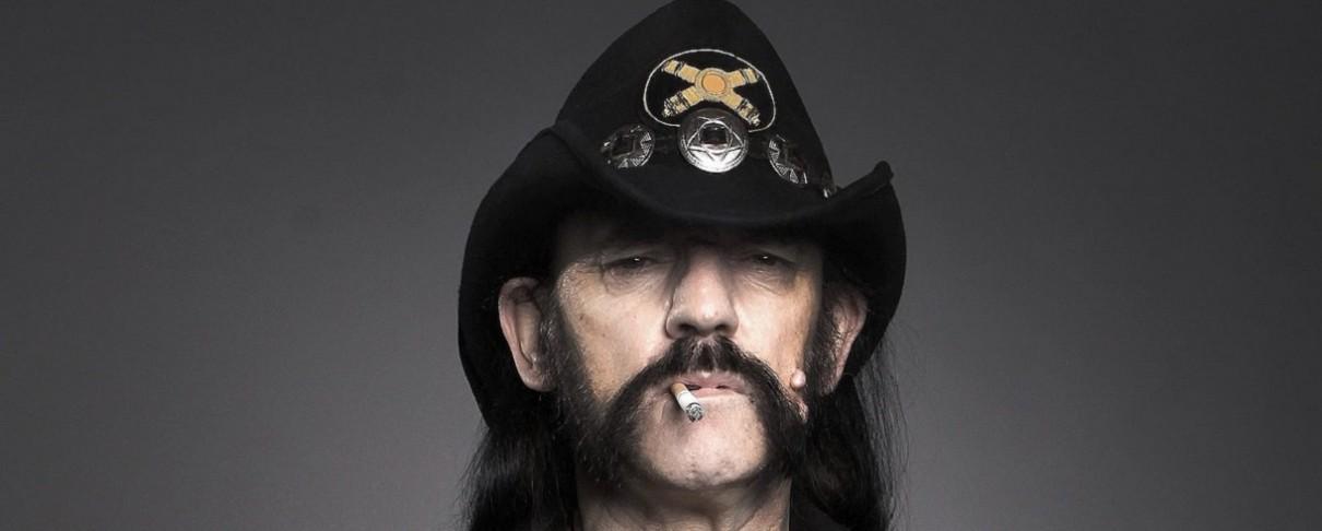 Μέσα σε σφαίρες και μοιρασμένες σε φίλους του οι στάχτες του Lemmy