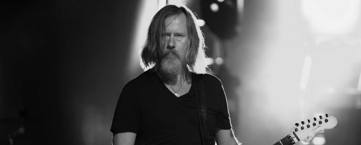 O Jerry Cantrell επιβεβαίωσε τη συνεργασία του με τους Duff McKagan και Greg Puciato