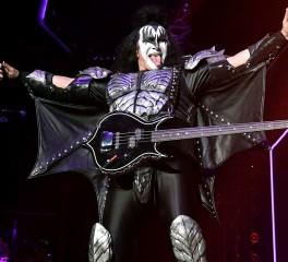 Gene Simmons: «Οι νέοι οπαδοί ευθύνονται για τον θάνατο του rock»