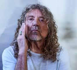 Robert Plant: «Οι μπάντες που συνεχίζουν για δεκαετίες μοιάζουν θλιβερά υπέργηρες»
