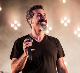 Κοντσέρτο πιάνου θα κυκλοφορήσει ο Serj Tankian