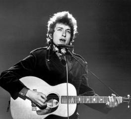 Μήνυση εναντίον του Bob Dylan για σεξουαλική παρενόχληση ανήλικης κοπέλας το 1965