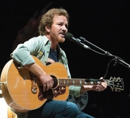 Προσωπικό δίσκο θα κυκλοφορήσει ο Eddie Vedder