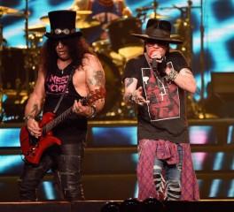 """Οι Guns N' Roses αποκαλύπτουν το """"Hard Skool"""""""