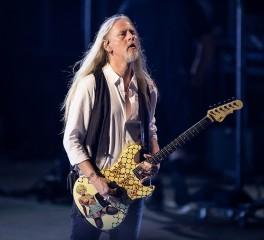 Jerry Cantrell: «To metal αποτελεί μεγάλο κομμάτι μου»