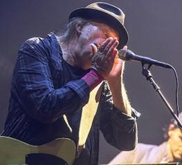 Νέο δίσκο με τους Crazy Horse ετοιμάζει ο Neil Young