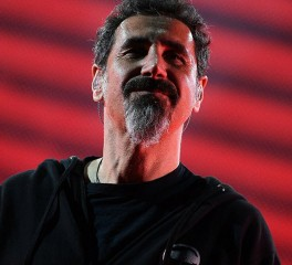 "Serj Tankian: Νέο video-clip για το ""Electric Yerevan"""