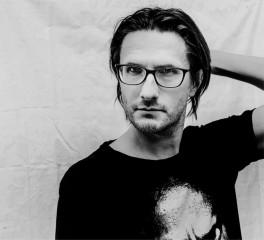 Ο Steven Wilson διασκευάζει Taylor Swift