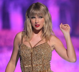 Taylor Swift: Σπάει ρεκόρ των Beatles μετά από 54 χρόνια