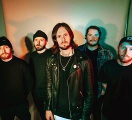 Ακούστε το νέο τραγούδι των While She Sleeps