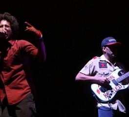 Tom Morello: «O Zack de la Rocha είναι ο σπουδαιότερος frontman στην ιστορία»