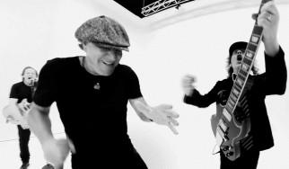 "AC/DC: Δείτε το καινοτόμο video-clip της μπάντας για το ""Realize"""