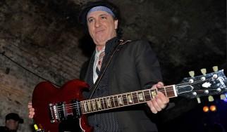Έφυγε από τη ζωή ο Sylvain Sylvain, κιθαρίστας των New York Dolls