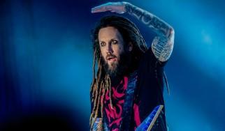 «Με την θρησκεία έπαθα την ίδια εμμονή με τα ναρκωτικά» δηλώνει ο κιθαρίστας των Korn