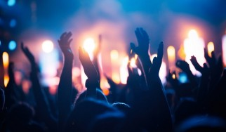 Punk φεστιβάλ χρεώνει τους ανεμβολίαστους θεατές με εισιτήριο των 1000 δολλαρίων