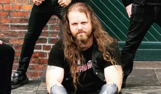 Μπασίστας metal μπάντας αποτρέπει μαζικό πυροβολισμό έξω από συναυλία