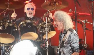 Οι Brian May και Roger Taylor των Queen σε ιαπωνικό τηλεοπτικό show