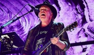 Οι Neil Young & Crazy Horse ανακοίνωσαν τον επόμενο δίσκο τους