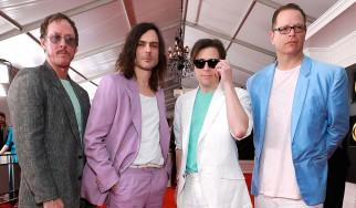 Αφιερωμένος στο metal και στον Van Halen ο νέος δίσκος των Weezer