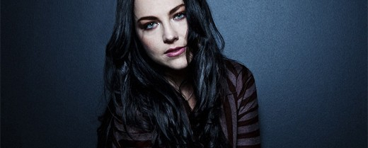 "H Amy Lee διασκευάζει το ""With Or Without You"" των U2"