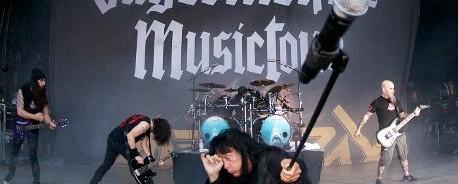 Φύλακες ασφαλείας τραυμάτισαν τον Joey Belladonna κατά τη διάρκεια συναυλίας των Anthrax