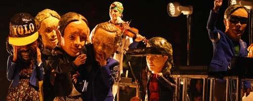 Ο αστέρας του Breaking Bad, Aaron Paul, ντύνεται ...Arcade Fire στο Coachella