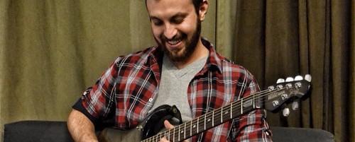 Ο Έλληνας κιθαρίστας Chris Mike υπογράφει συμβόλαιο με την αμερικανική δισκογραφική Candyrat Records