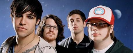 Greatest Hits αλλά και διάλειμμα για τους Fall Out Boy