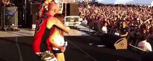 Κατακραυγή εναντίον των Five Finger Death Punch