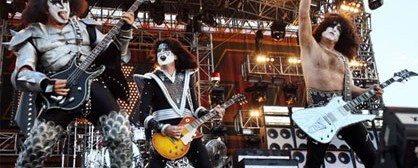 Video από τις ηχογραφήσεις των Kiss