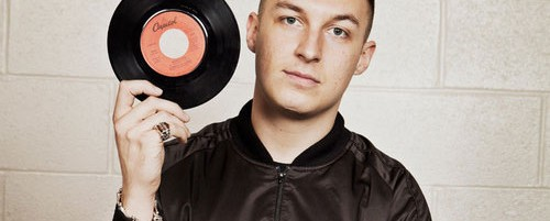 Matt Helders (Arctic Monkeys): «Είναι καλό που ο κόσμος έχει στρέψει το βλέμμα του μακριά από τις κιθάρες»