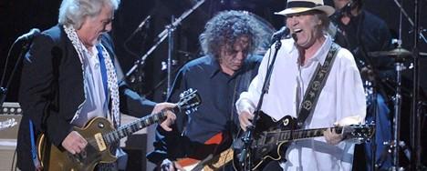 Καινούριος δίσκος από τον Neil Young και τους Crazy Horse μέσα στον Οκτώβριο