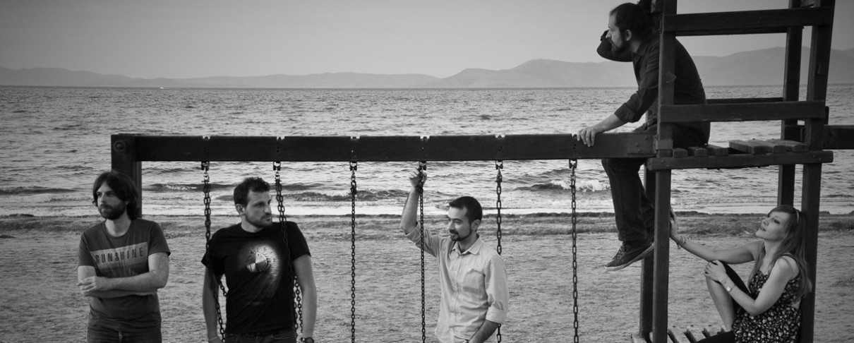 """Connect The Dots"": Όλες οι πληροφορίες για την κυκλοφορία του νέου άλμπουμ των Playground Theory"