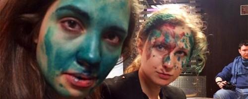 Επίθεση από αγνώστους δέχθηκαν δύο μέλη των Pussy Riot (video)