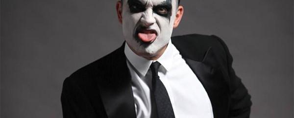 Ο Robbie Williams παρουσιάζει τον εαυτό του εν όψει Rockwave Festival