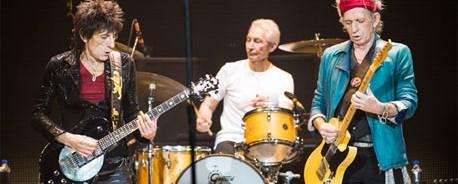 Οι Rolling Stones υποδέχονται τον Bruce Springsteen, τη Lady Gaga και τους Black Keys στη σκηνή στις 15 Δεκεμβρίου