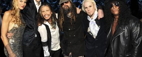 "Dave Grohl, Steven Tyler και Slash ερμηνεύουν το ""Walk This Way"" των Aerosmith (video)"