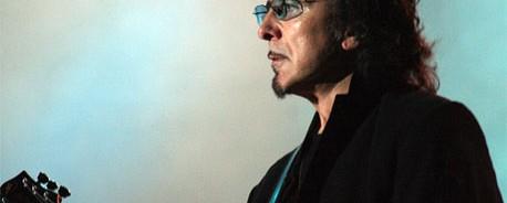 Συνεργασία μελών των Iron Maiden, Black Sabbath και Deep Purple