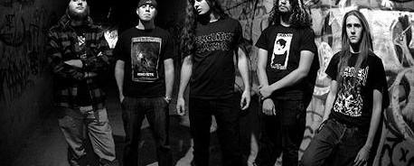 Έφυγε από τους Warbringer o κιθαρίστας τους, Adam Carroll