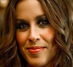 Στις κορυφές των charts ο νέος δίσκος της Alanis Morissette