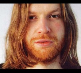 Ο Aphex Twin απαντάει στις ερωτήσεις των Skrillex, Nicolas Jaar, Caribou κ.α.