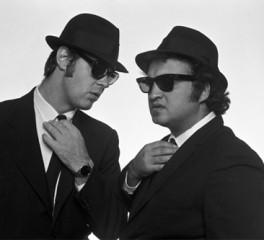 Στην επιφάνεια ανέκδοτες φωτογραφίες των Blues Brothers