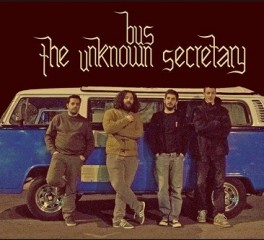 Οι Bus The Unknown Secretary απόψε ζωντανά στο Rocking Radio