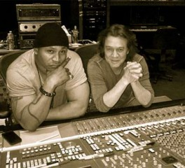 O Eddie Van Halen «ραπάρει» παρέα με τον LL Cool J