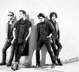 Οι Fall Out Boy αποκαλύπτουν ένα ακόμη τραγούδι μέσα από το νέο album τους - Δείτε το video