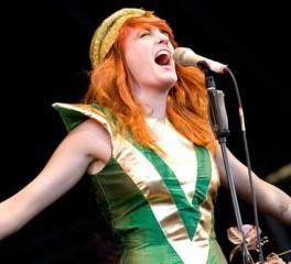 Δίσκος διασκευών κομματιών των Florence + The Machine από metal συγκροτήματα