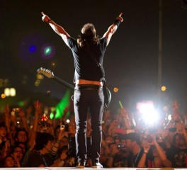 Foo Fighters, Royal Blood, Αrctic Monkeys υποψήφιοι για «κορυφαίο live καλλιτέχνη»