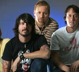 Solo album και περιοδεία από τον drummer των Foo Fighters
