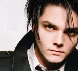 Υπέγραψε στην Warner και βγάζει δίσκο ο Gerard Way των My Chemical Romance